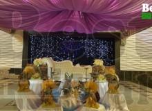 دکوراسیون و استیج عروس و داماد تالار پذیرایی شهر با دیوارپوش سه بعدی بست وال