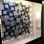 طراحی ویترین فروشگاه با پانل سه بعدی دکوراتیو دو رنگ