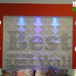 دیوارپوش سه بعدی طرح صلیب اجرا در گالری مبلمان
