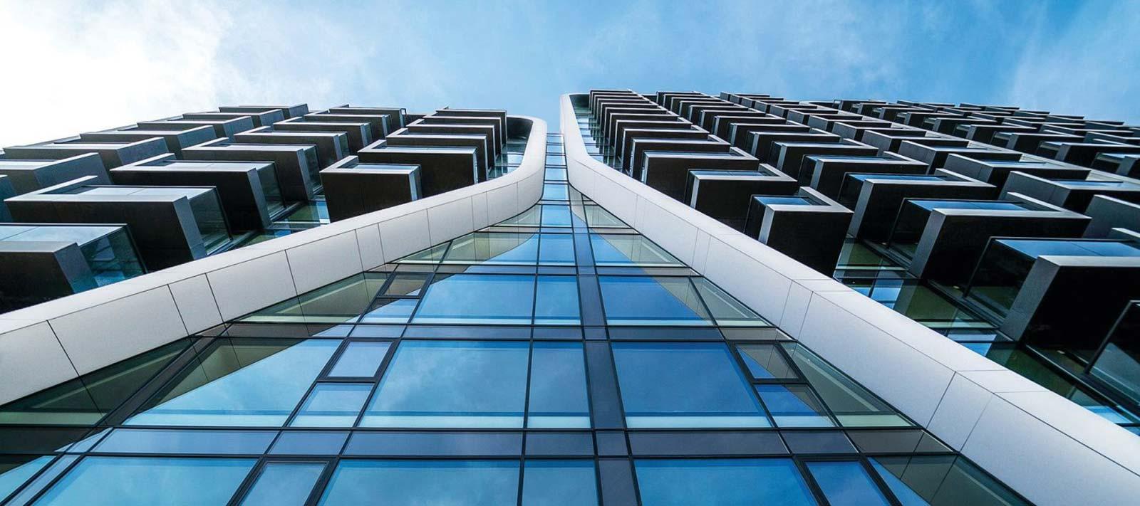 نمای ساختمان با شیشه اسپندرال